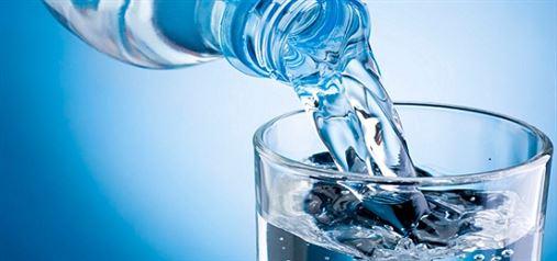 Água engarrafada é um dos 10 vilões da saúde dental