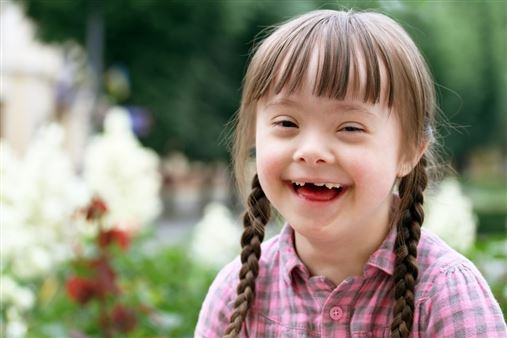 Crianças com necessidades especiais precisam de cuidado odontológico regular