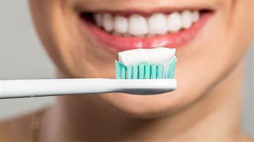 Estudo mostra que alguns cremes dentais não protegem contra a erosão e a hipersensibilidade
