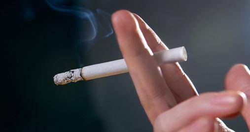 Pesquisa confirma que os fumantes têm maior risco de perder seus dentes