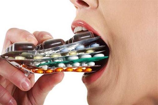 Herói ou vilão? Veja remédios que prejudicam a saúde bucal