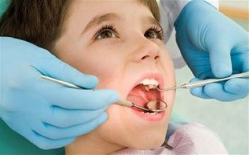 Quantas vezes se deve ir ao dentista por ano?