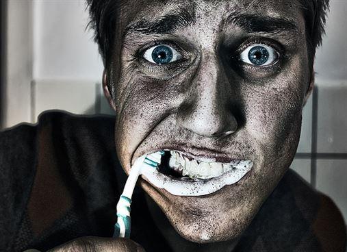 O estresse pode ser uma das causas do mau hálito