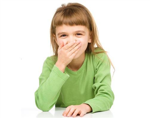 Remédio para asma pode causar erosão em dentes de leite