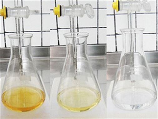 Comparação do teor de cloro ativo e pH do hipoclorito de sódio 0,5% fabricado e manipulado