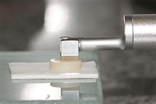 Avaliação da rugosidade superficial de diferentes resinas compostas após a realização do acabamento e polimento